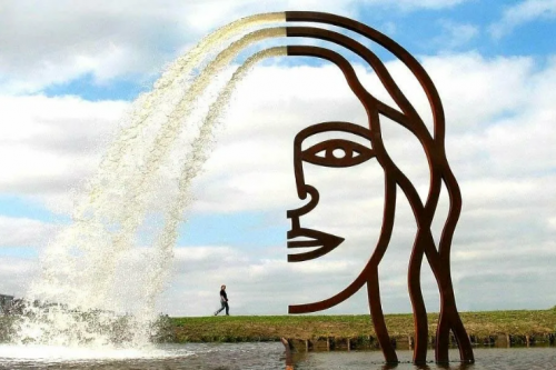 фонтан большое лицо