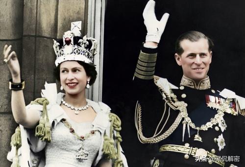 приветствие народа после коронации