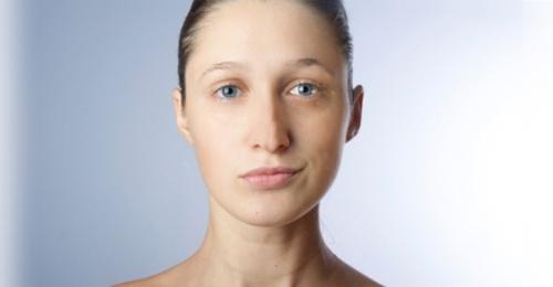 несимметричное лицо