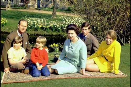 Елизавета, ее муж и дети
