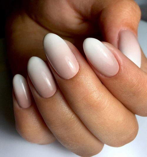 Классическая миндалевидная форма ногтя