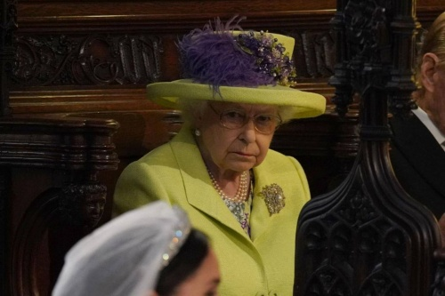Елизавета II на свадьбе принца Гарри