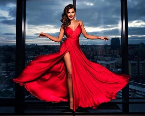 красное макси платье